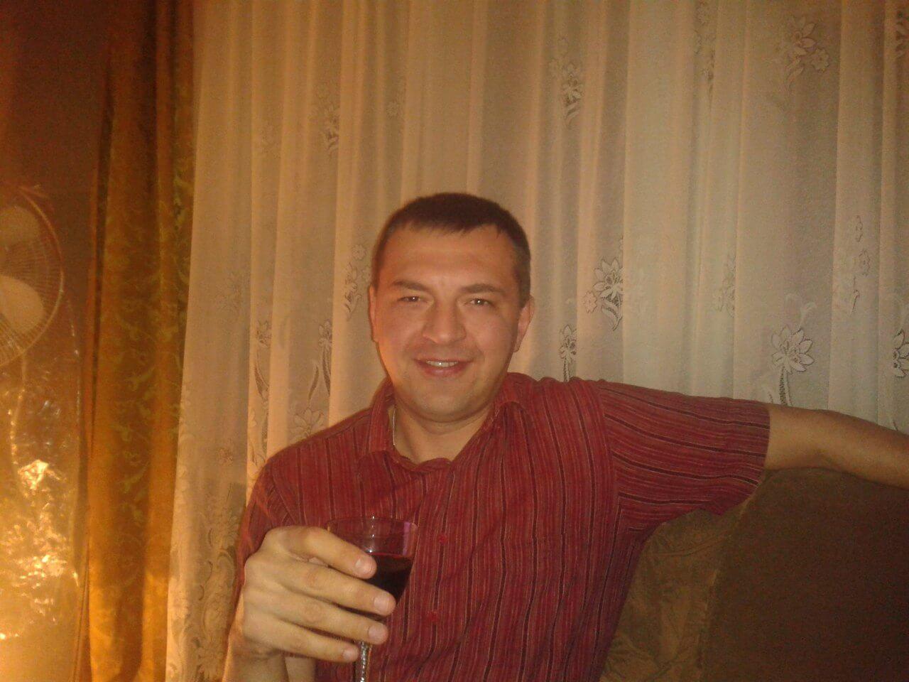 Gay Serbia sms, Šid, Vladan